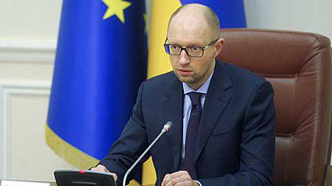 Правительство Украины временно запретило грузовое сообщение с Крымом