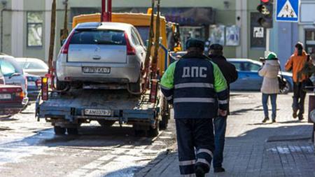 Судебные исполнители и ГАИ изымают машины должников прямо на дорогах