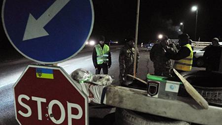 Киев приостановил движение российских фур по территории Украины