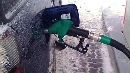 В России заправки предупреждают о росте цен на бензин