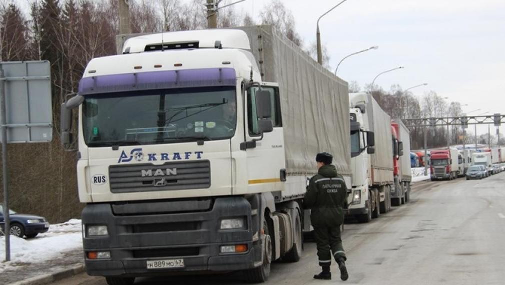 Очереди грузовиков на границе с Литвой сокращаются