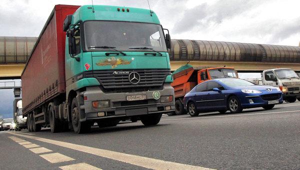 ГД России освободила в I чтении владельцев большегрузов от транспортного налога