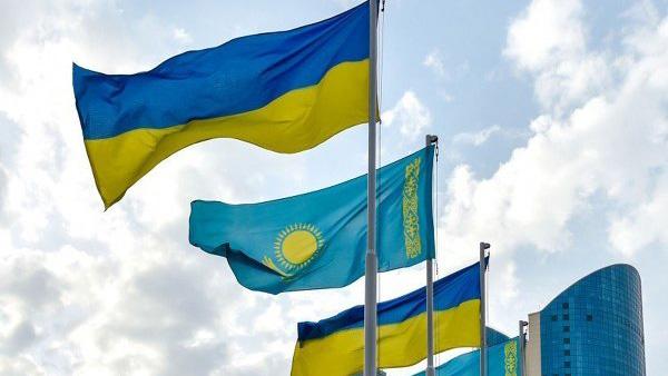 В Смоленске застряли более 20 грузовиков и 80 вагонов с украинскими товарами для Казахстана