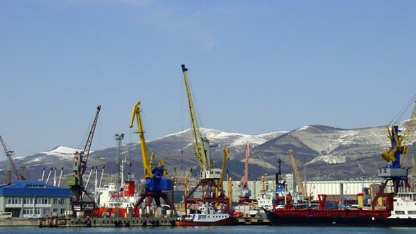 Основная доля грузов, отправляемых из морских портов, приходится на автотранспорт