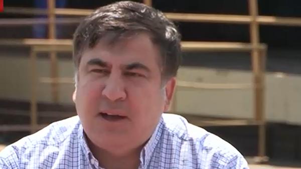 Саакашвили: РФ решением о блокировании грузовых перевозок украинских товаров помогает Украине