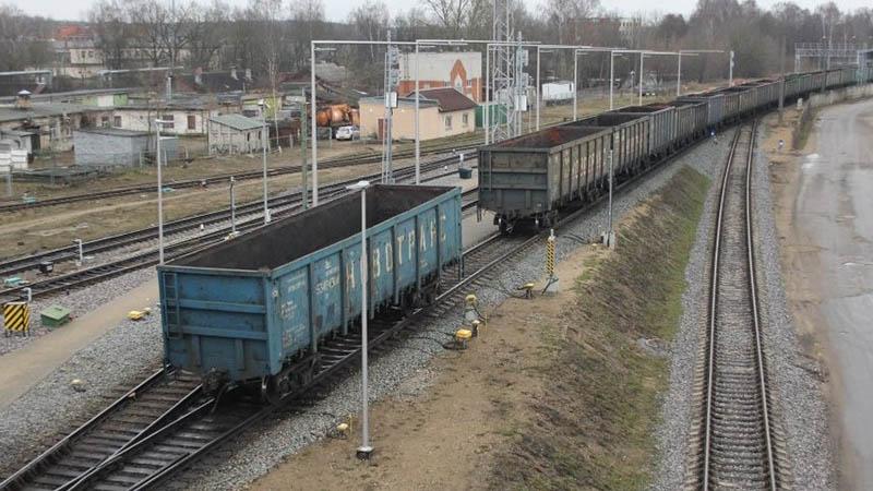 Объем грузоперевозок в Латвии в первом полугодии сократился на 11,4%