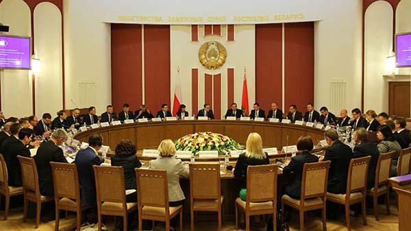 МИД: пропускная способность границы с Польшей на грани предела