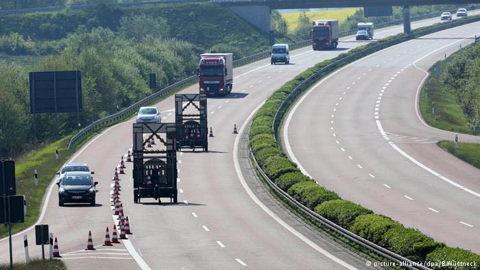Еврокомиссия подала в суд на Германию за введение дорожного сбора для легковых авто