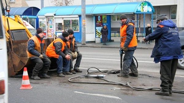 В Украине рассказали, когда и за чей счет будут строить платные дороги