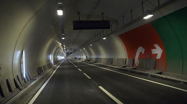 В Стамбуле открыт автомобильный тоннель под проливом Босфор