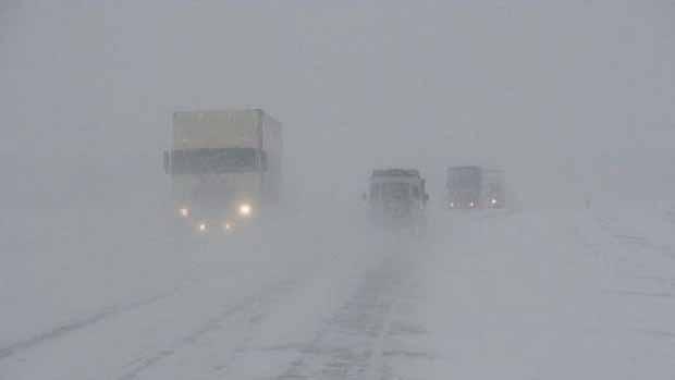 Из-за метели дороги в Челябинской области полностью закрыли для автотранспорта
