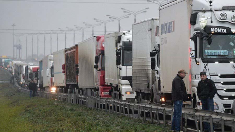 Транспортные компании готовы поддержать бастующих дальнобойщиков