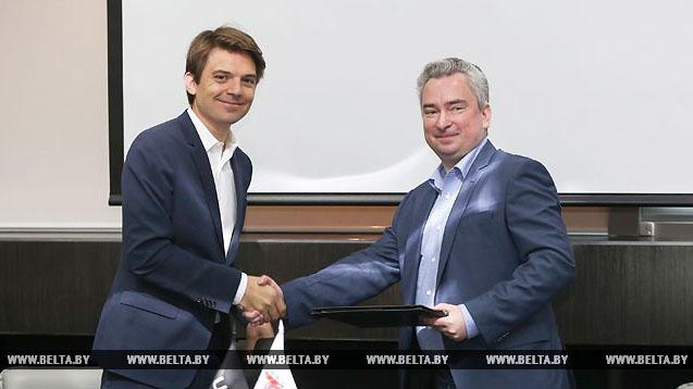 Директор ПВТ Янчевский и директор Uber Гор-Коти договорились сотрудничать в сфере беспилотных авто