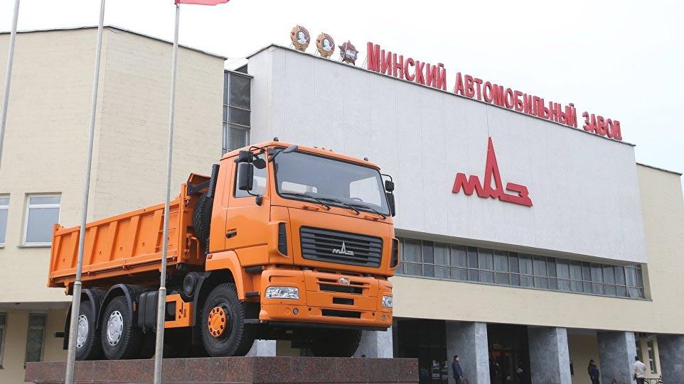 МАЗ будет обслуживать двигатели «Мерседес»