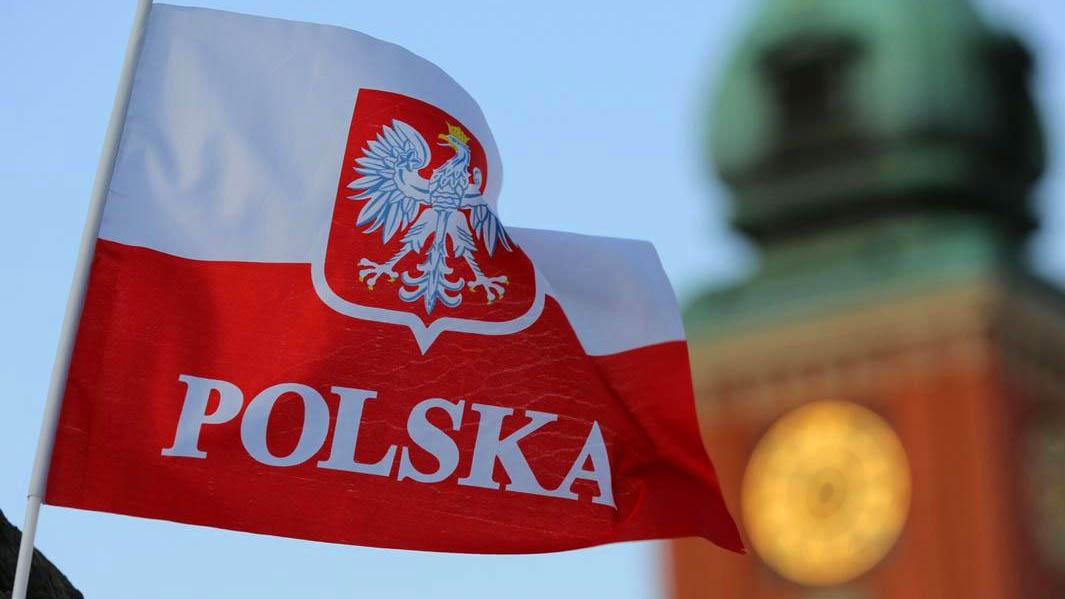 В Польше ограничено движение грузовиков с 14 по 18 августа