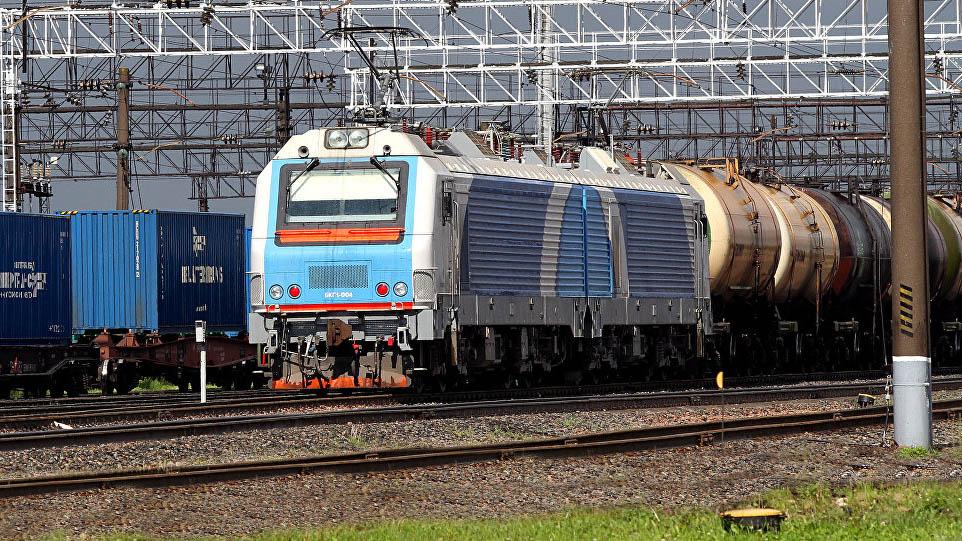 Молодечно – Кяна: электровоз повел грузовой поезд из Беларуси в Литву