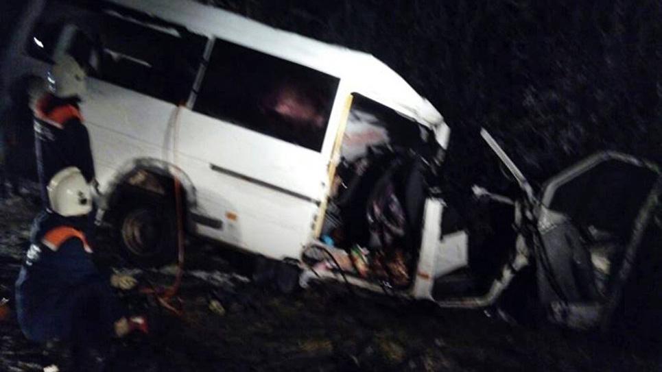 В Марий Эл маршрутка врезалась в лесовоз: погибли 15 человек