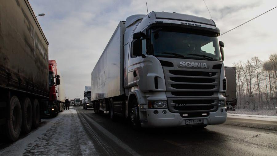 В Новосибирске вводится временное ограничение движения большегрузов