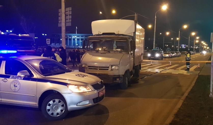 В Минске грузовик протаранил пешеходов. Погибла 11-летняя девочка
