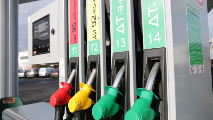 Глава Белнефтехима рассказал, от чего будет зависеть цена на топливо