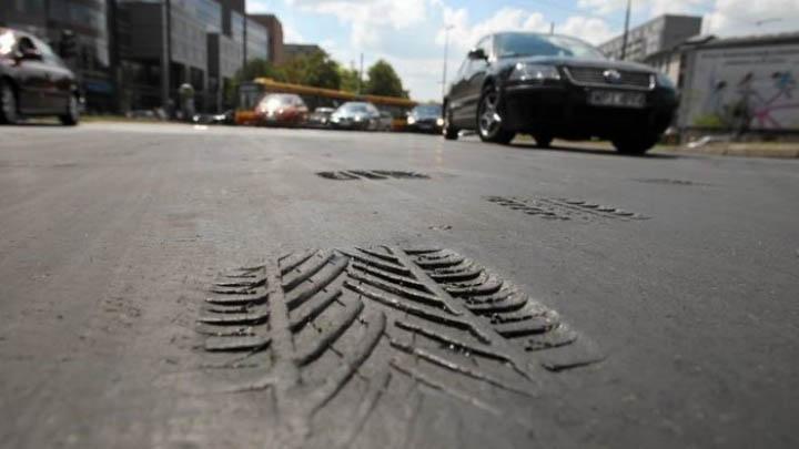 Росавтодор в августе снимет запрет на проезд фур в жаркие дни по федеральным дорогам.