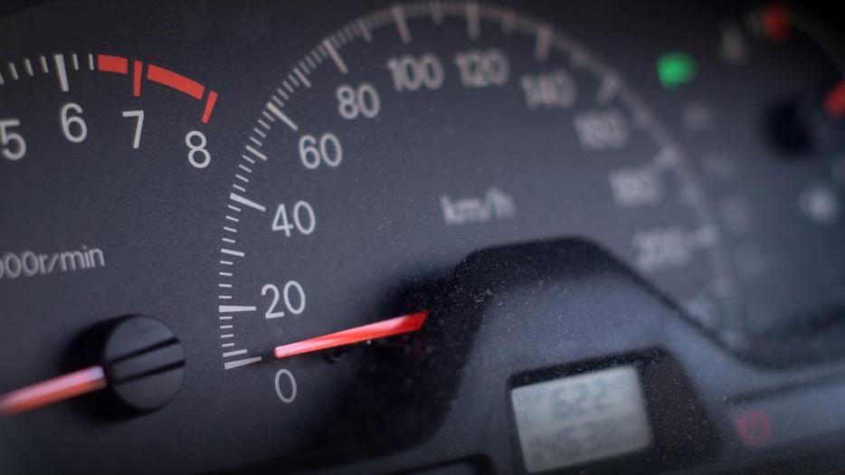 Тахографы сообщат о нарушениях водителей онлайн: какой будет система автоматического контроля за грузовиками и автобусами?