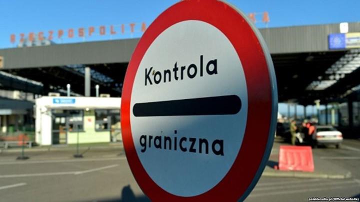 На границе арестовали четверых польских таможенников, которые за взятки пропускали контрабанду из Беларуси