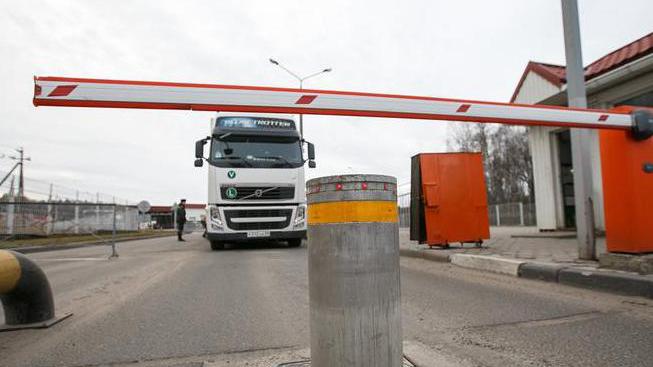 Транспортная инспекция уведомила более 10 тыс. водителей о требованиях в связи с COVID-19