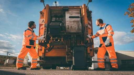 Компания по утилизации мусора Republic Services ожидает поставку аккумуляторных мусоровозов