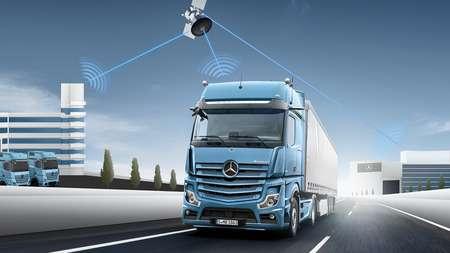 Почти 50 лет исследований ДТП от Mercedes-Benz Trucks: предотвращение аварий и смягчение их последствий