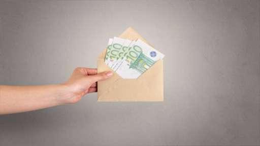 Зарплаты «в конвертах» сэкономили экспедитору из Германии круглую сумму