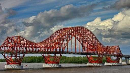 Мост через реку Иртыш введен в эксплуатацию