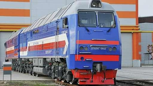 Навоийский горно-металлургический комбинат получил два магистральных тепловоза 2ТЭ25КМ