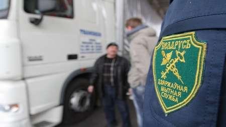 Для разгрузки транспортного потока на белорусско-украинской границе увеличили число сотрудников