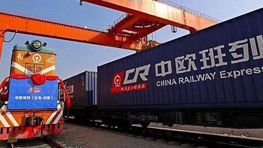 «Один пояс – Один путь»: 2000 куб.м. сухой молочной продукции отправляются в Китай