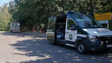 Украинские дальнобойщики ехали без отдыха 40 часов