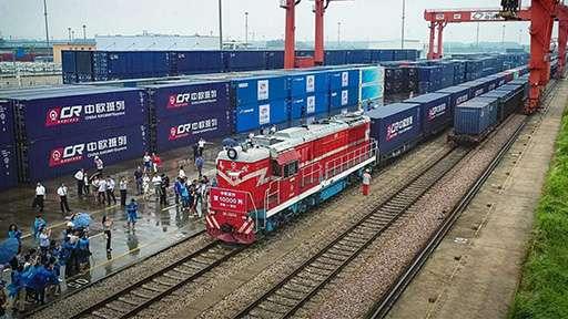 Новая железная дорога соединила Китай и Европу