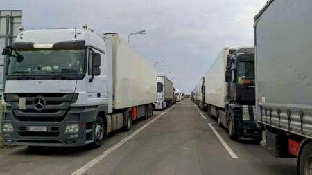 Около 750 грузовиков остаются в очередях на границе Беларуси с Литвой