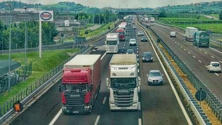 Франция обяжет автоперевозчиков устанавливать нагрузовики системы предупреждения ослепых зонах с2021 года