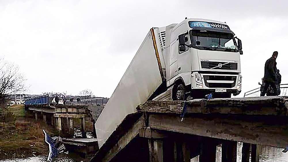 В России тягачинатранзитных номерах также будут возмещать ущерб за проезд по трассам