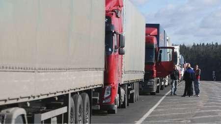 Количество сотрудников напунктах пропуска «Мядининкай» и«Райгардас» сильно замедляет оформление транспорта