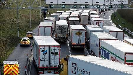Минтранса Великобритании пояснило новые правила пропуска большегрузов в страну