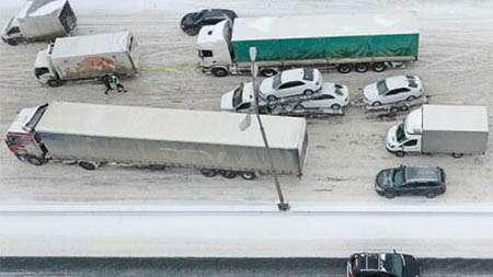 В Москве хотят запретить грузовикам въезд на МКАД в случае непогоды
