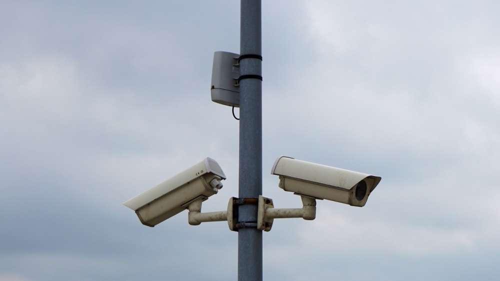 В России возобновляют эксперимент по контролю страховки и техосмотра для авто камерами